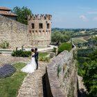 castello-esterna-vigoleno-sposi-vista