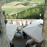 gallery-castello-vigoleno-sposi-matrimoni-buffet-terrazza