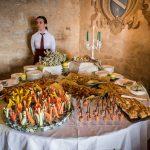 gallery-castello-vigoleno-sposi-matrimonio-banchetto