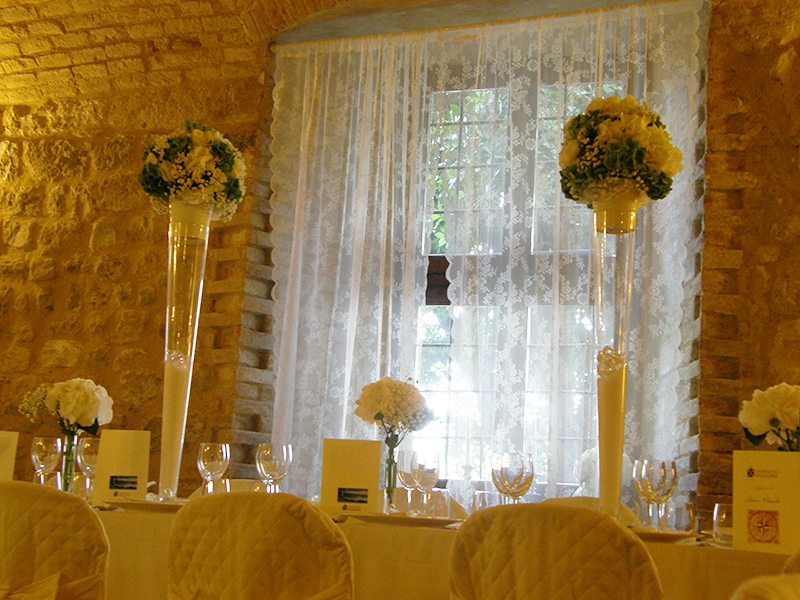 Tema Matrimonio In Un Castello : Stile francese e dettagli moderni per un matrimonio in